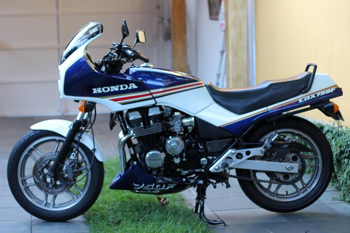 História CBX 750 (7 Galo). A maior vedete dos anos 80 e 90, a moto ...